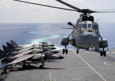 MK42B Landing on Aircraft Carrier